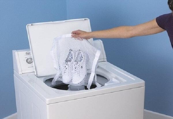Cách giặt giày trắng bằng máy giặt
