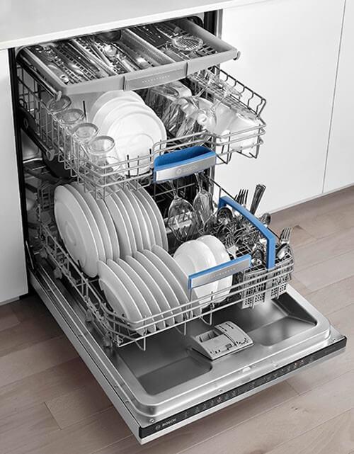 Giặt giày bằng máy rửa bát