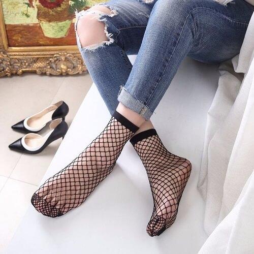 Cách phối giày với tất cho nữ siêu dễ thương 8