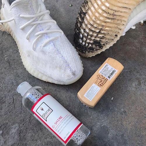 Sử dụng chất tẩy trắng chuyên dụng dành cho giày