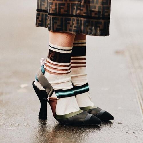 Cách phối giày với tất cho nữ siêu dễ thương 4