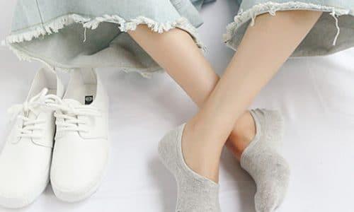 cách phối giày với tất cho nữ