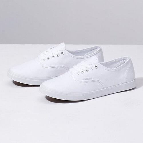 Các dòng giày trắng của Vans – Authentics