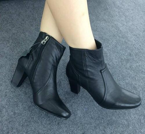 Giày boots da