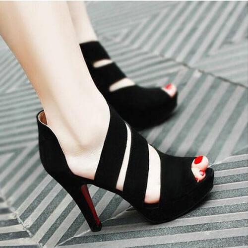 Giày cao gót cut – out da lộn nữ