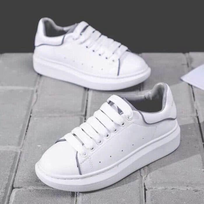 cách buộc dây giày sneaker