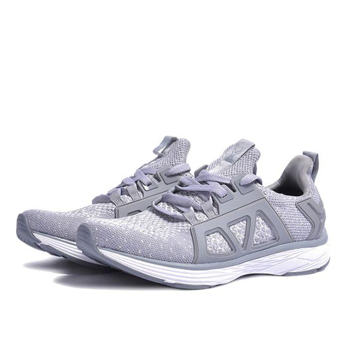 giày chạy bộ Bitis có tốt không