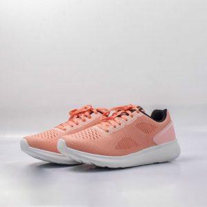 Lợi ích của việc sử dụng giày chạy bộ nữ phù hợp