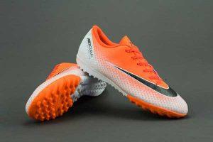 Top 5 giày đá bóng nam tốt nhất 11