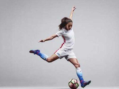 Top 5 giày đá bóng nữ tốt nhất 3