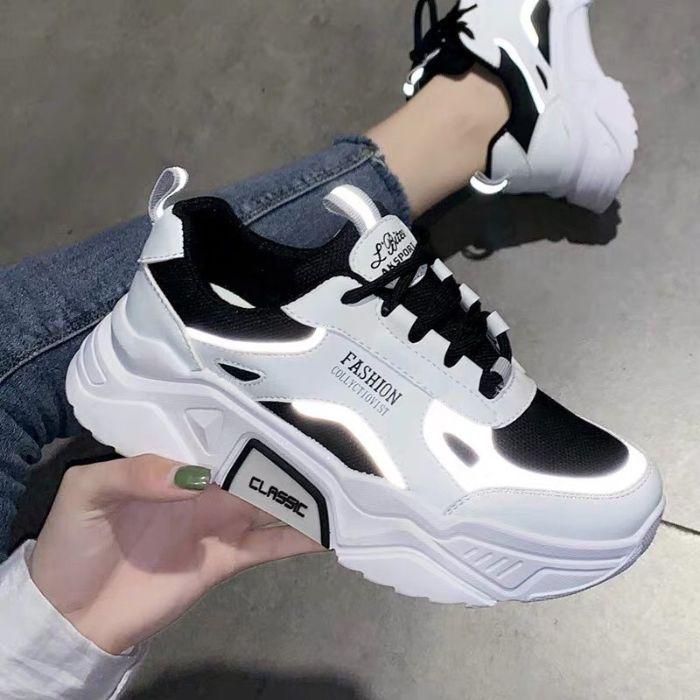 giày sneaker bị rộng