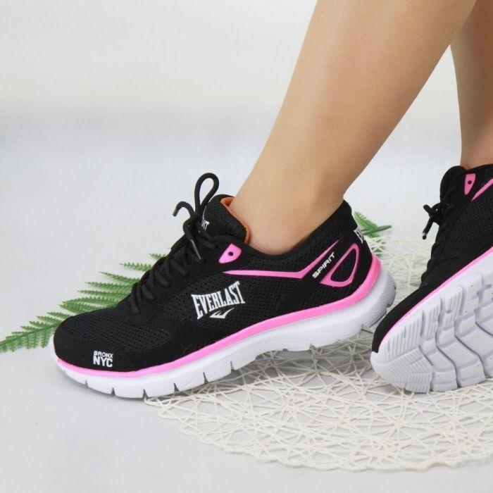 mang giày thể thao bị phồng chân