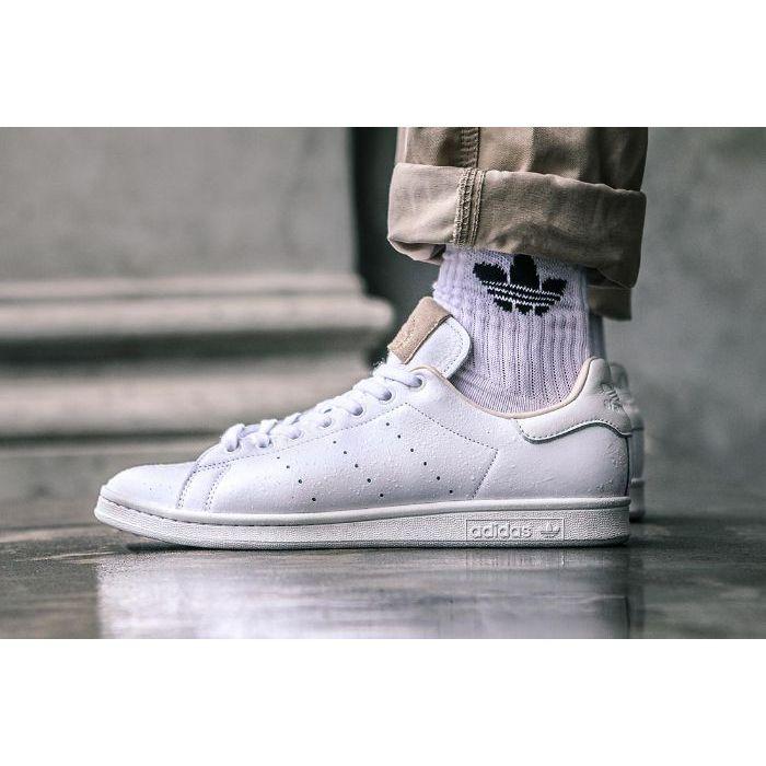 Top 5 giày sneaker nam trắng tốt nhất2