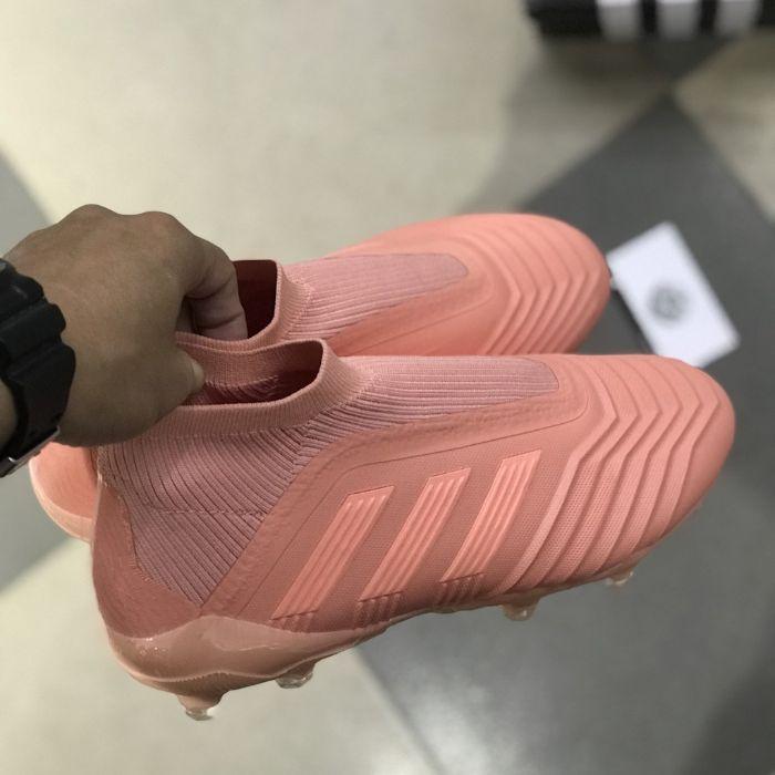 Giày bóng đá Adidas Predator1