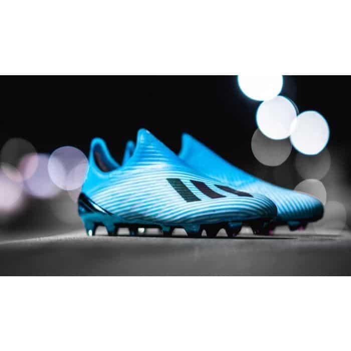 Giày bóng đá Adidas X2