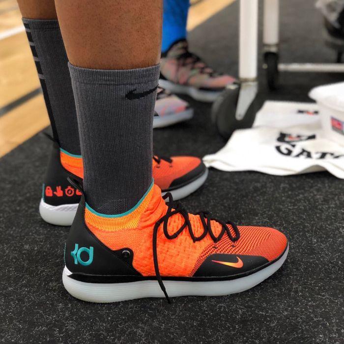 giày bóng rổ Nike