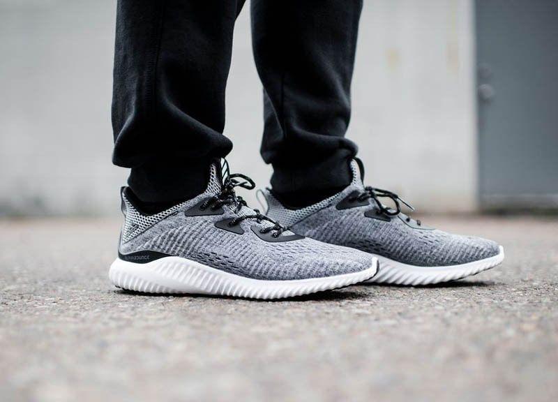 Top 5 giày chạy bộ Adidas tốt nhất 8