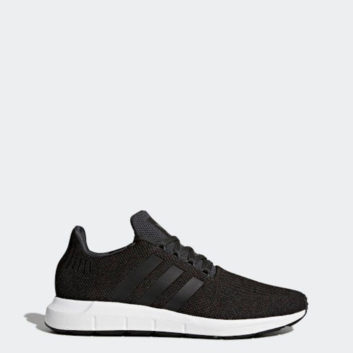 Giày chạy bộ của Adidas Swift Run0