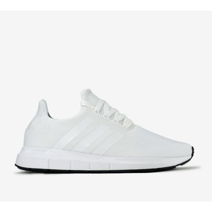 Giày chạy bộ của Adidas Swift Run1
