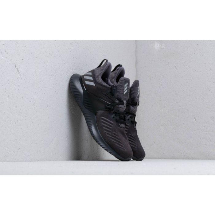 Top 5 giày chạy bộ Adidas tốt nhất2