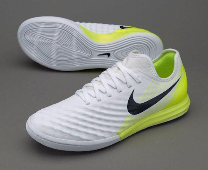 Top 5 giày futsal Nike tốt nhất 8
