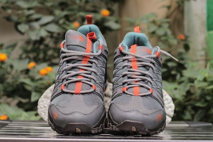 Giày leo núi nữ chống trơn trượt, bảo vệ chân hiệu quả 9