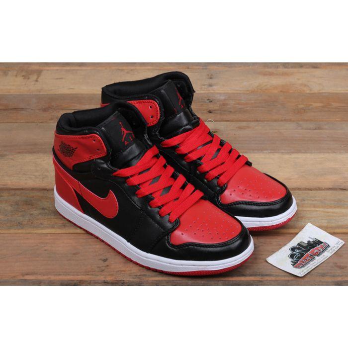 Giày bóng rổ Nike Air Jordan 1 Retro High Og Bred2