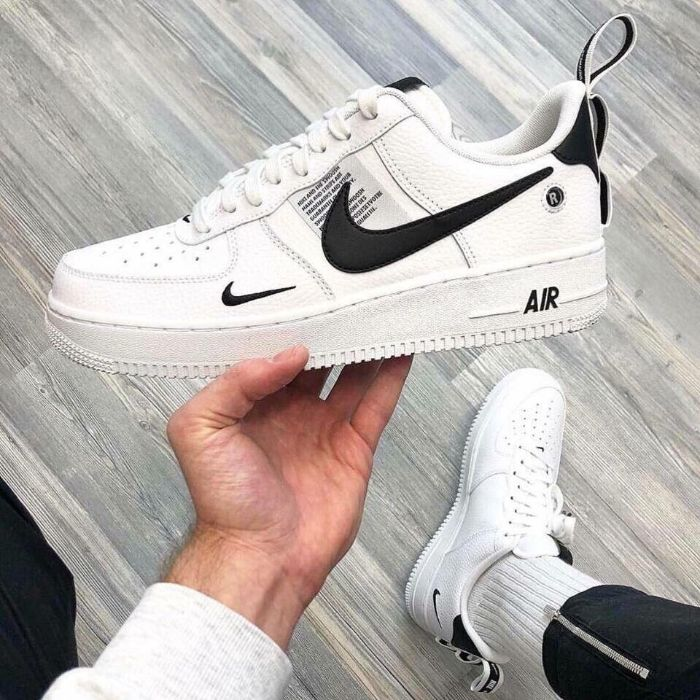 Top 5 giày sneaker nam trắng tốt nhất 9