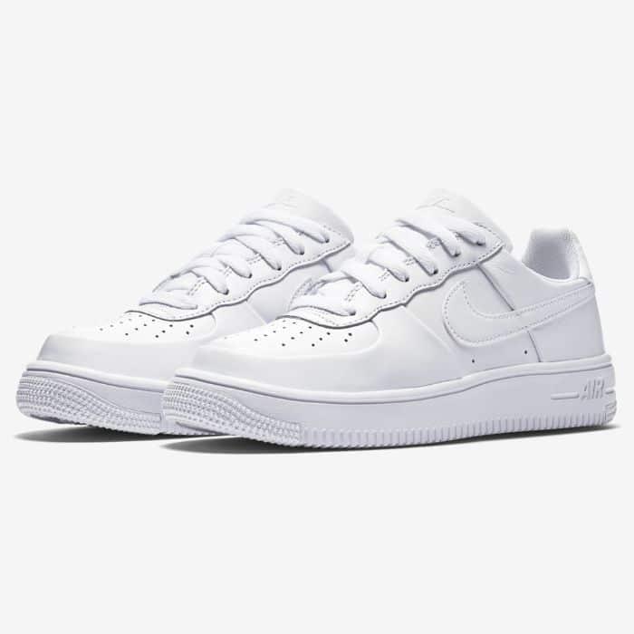 Top 5 giày sneaker nữ trắng tốt nhất0