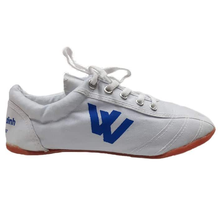 Top 5 giày đá bóng Thượng Đình tốt nhất1