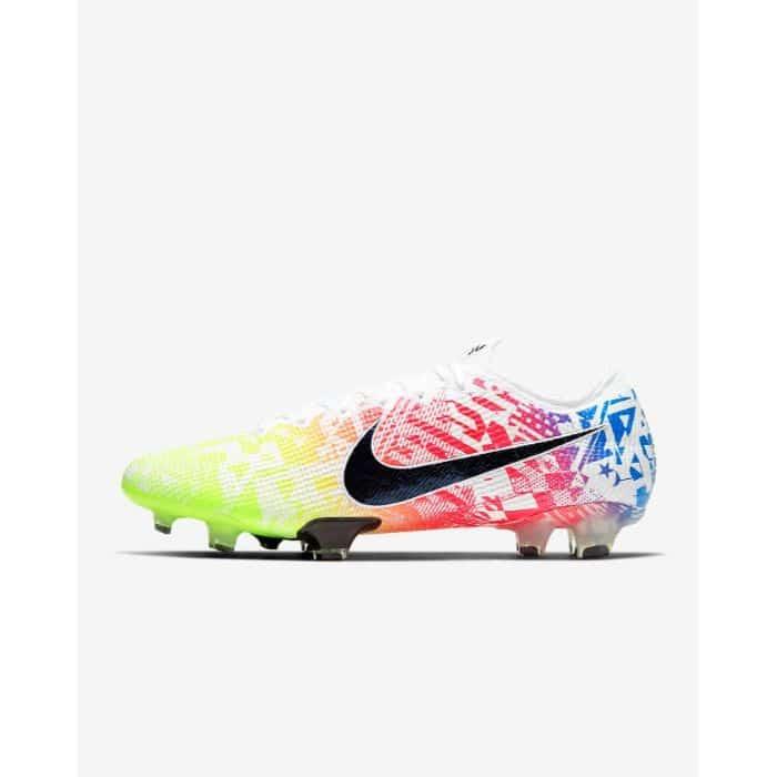 Top 5 giày đá bóng Nike tốt nhất 1