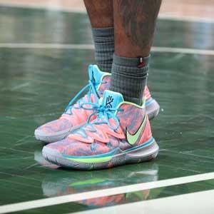 Top 5 giày bóng chuyền Nike tốt nhất 14